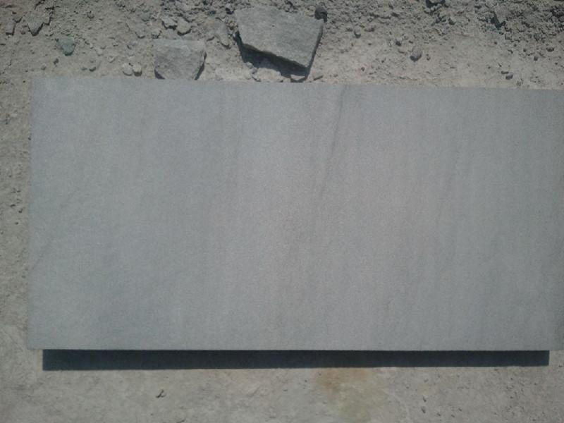 如何對青石板材進行修復和翻新?