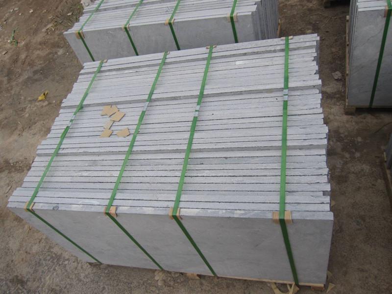 青石板廠家淺析怎么減少天然青石板材的破損率