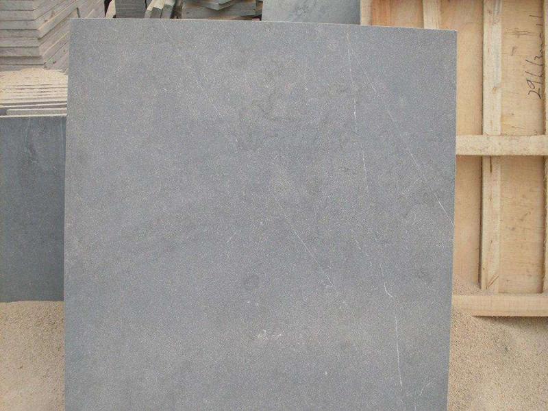 天然青石板石材的優缺點及其用途簡介