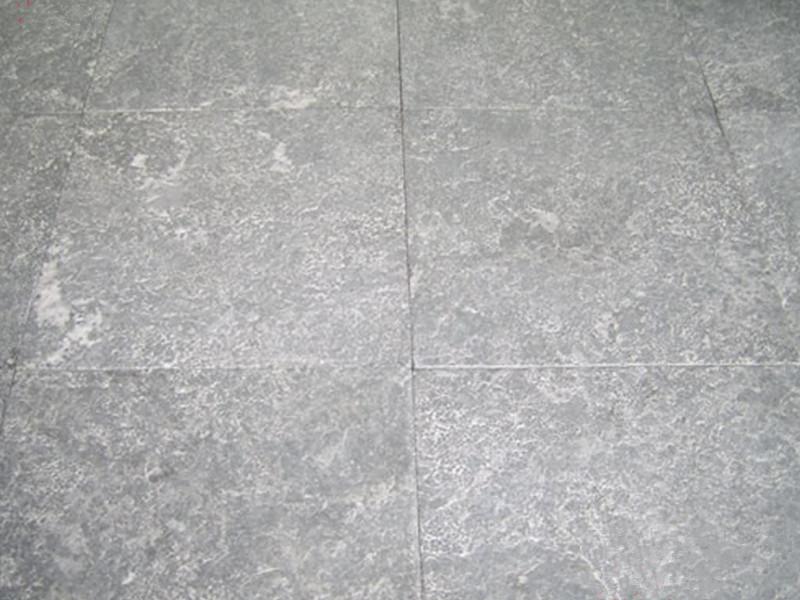 如何防止山東青石板材表面發黃?