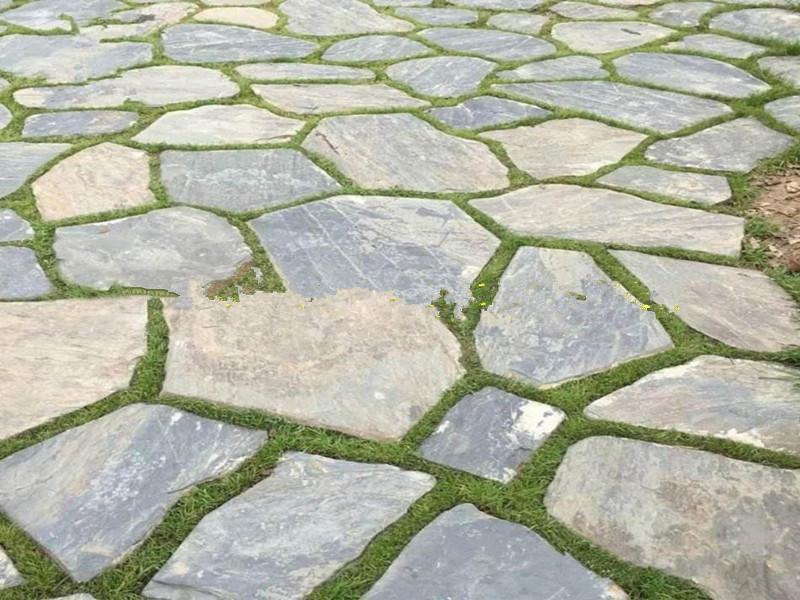 青石板冰裂紋與碎拼鋪裝效果有何差異