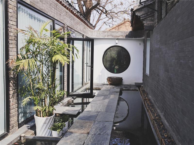 常用的青石板鋪設院子效果圖